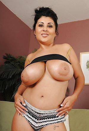 Beautiful Big Tits Pics and Big Tit Milf Hot Porn