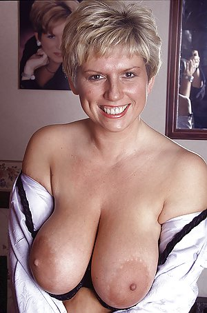Hot big busty mature show your sexy body 8