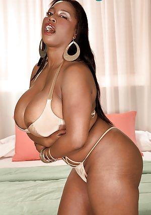 Beautiful Big Tits Pics and Big Black Tits Hot Porn